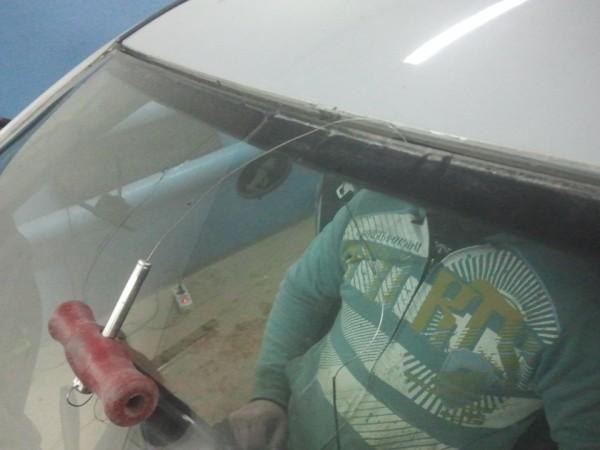 Поменять лобовое стекло своими руками 65
