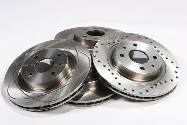 Как установить тормозные диски в иномарку?